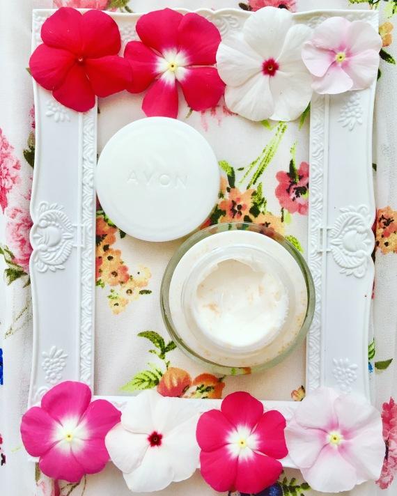 nutra effects avon sensitive cream